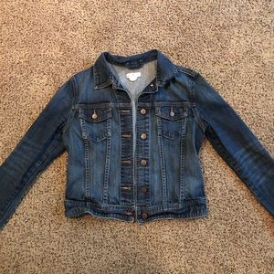 EUC Gap Jean Jacket! Great for all seasons!